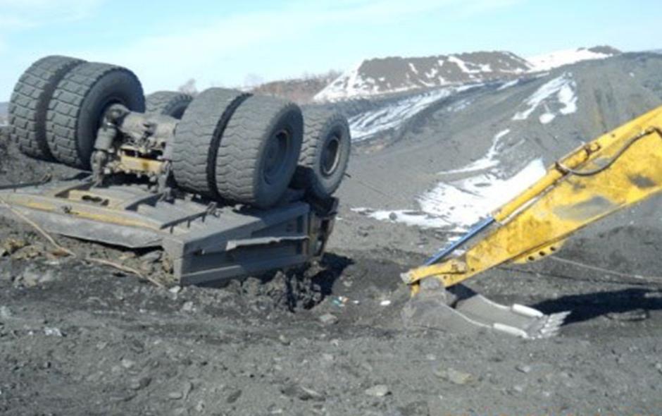 Hual truck fallen upside down