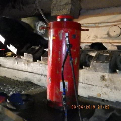 Fatality #3 hydraulic jack